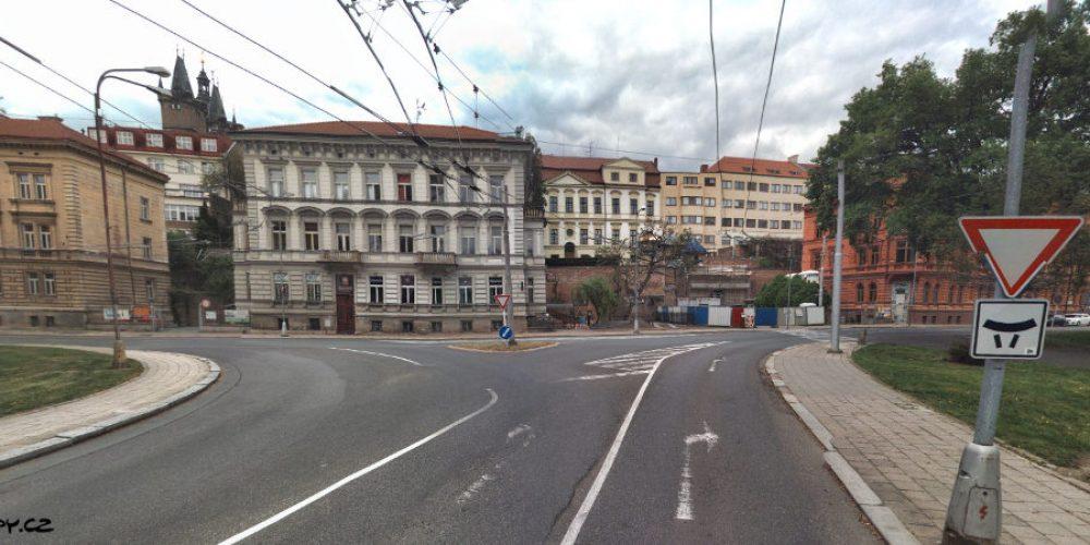 Rekonstrukce křižovatky Fortna uleví dopravě v Hradci Králové