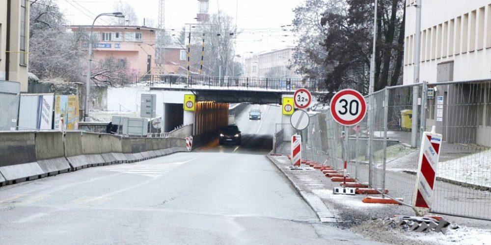 Přestavby a rozšíření by se měl za dva roky dočkat kuklenský podjezd.